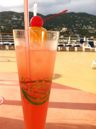 st-thomas-cruise-tropical-drink